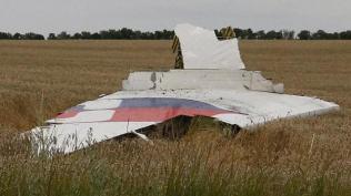 dw-mh17-fuselage-ukraine-0718e