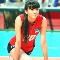 Sabina-Altynbekova-atlet-voli-Kazakhstan-cantik-berkaus-merah